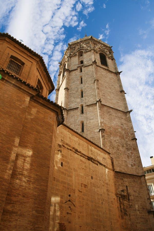 Valencia, España - 07/21/2019: Miguelete, Torre del Micalet, EL Micalet - campanario valenciano del Gótico-estilo de Valencia Cat foto de archivo