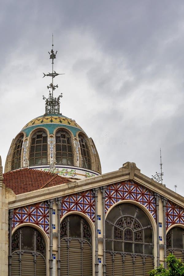 Valencia, Espa?a Mercado central - pasillo viejo famoso del mercado foto de archivo libre de regalías