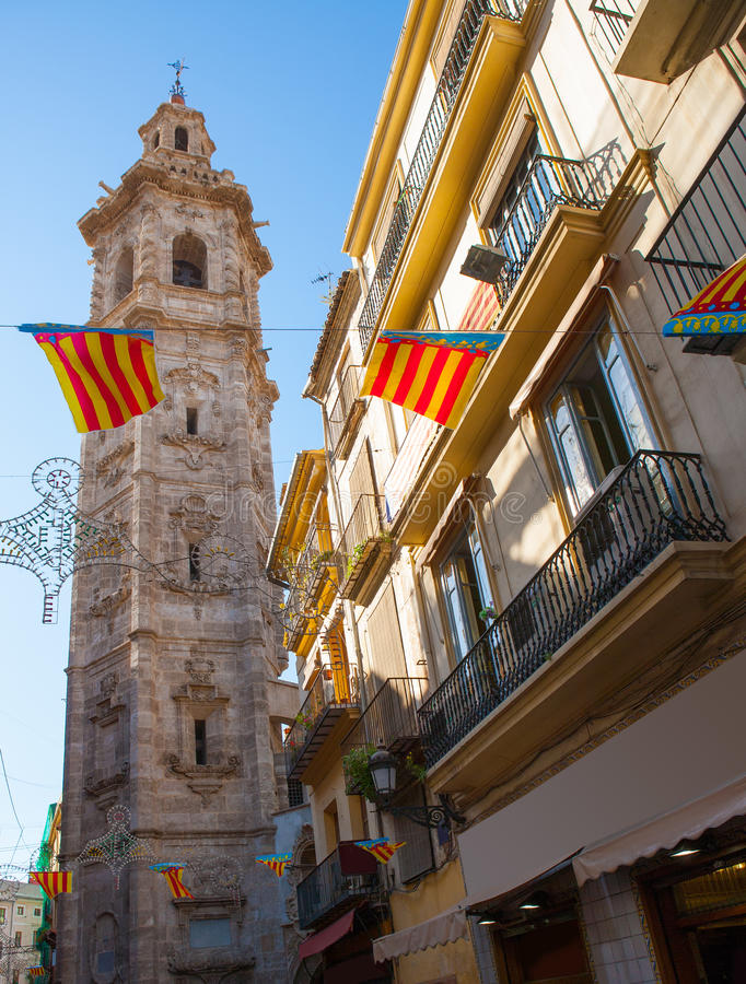Valencia Santa Catalina-kerktoren van Calle la Paz royalty-vrije stock fotografie