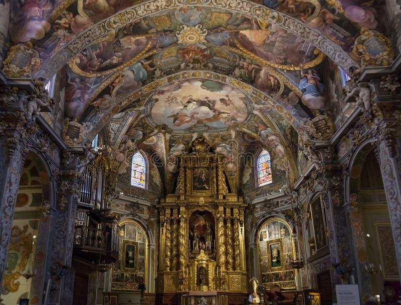 Valencia Spanien - Juli 2, 2019: Inre av den helgonNicholas San Nicolas kyrkan i Valencia royaltyfri bild