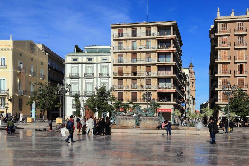 VALENCIA SPANIEN - NOVEMBER 27, 2018: Plaza de la Virgen arkivfoton