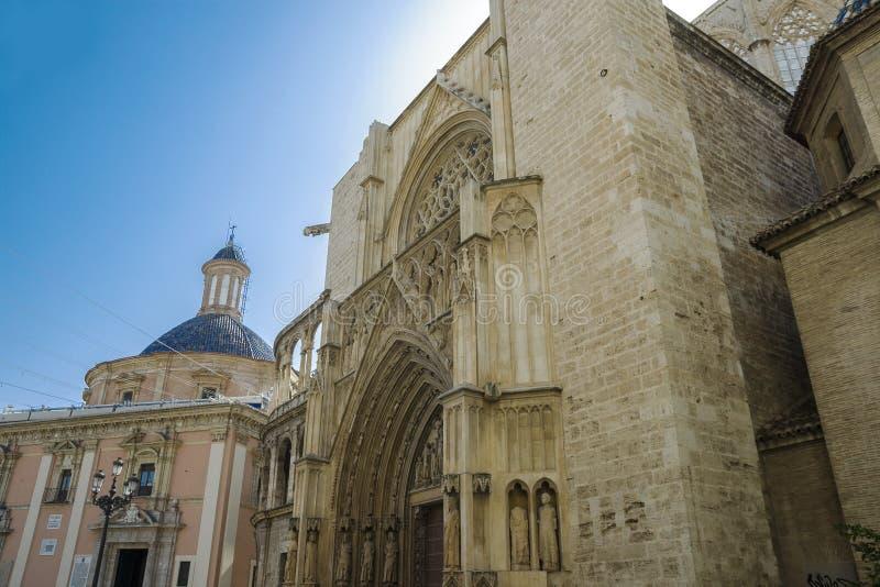 Valencia, Spanje - 07/21/2019: Valencia Cathedral - La Seu de Valencia stock foto's