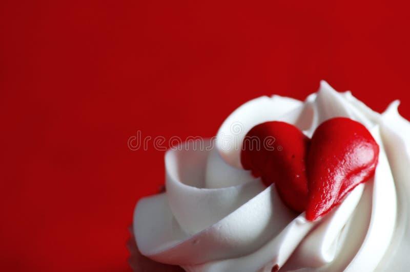 Valentijnskaarten cupcake royalty-vrije stock afbeelding