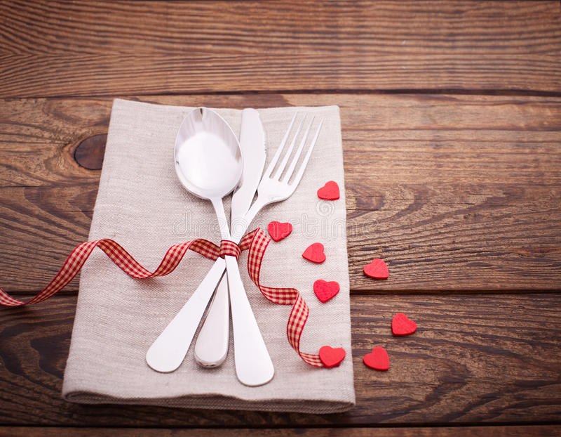 Valentijnskaartendiner op houten achtergrond royalty-vrije stock fotografie