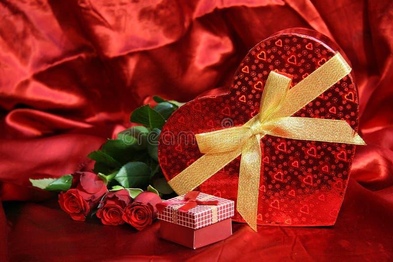 Valentijnskaartenkaart met rode rozen royalty-vrije stock foto
