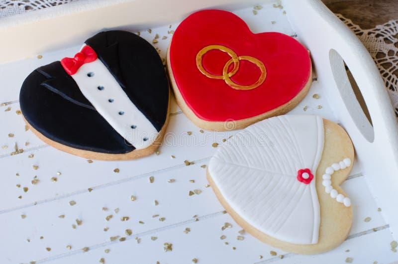 Valentin dag - bröllopkakor royaltyfri fotografi