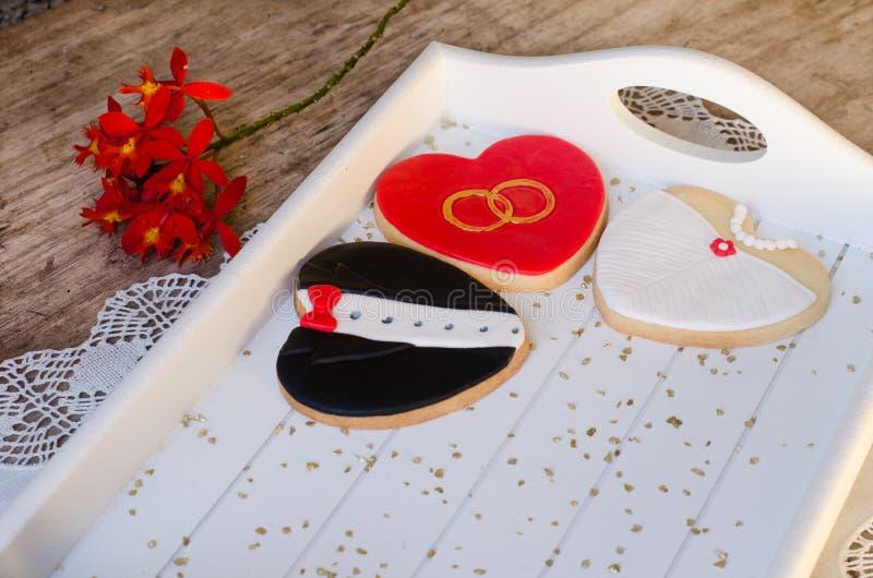 Valentin dag - bröllopkakor arkivbild