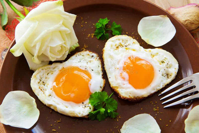 Valentin dagfrukost royaltyfri bild