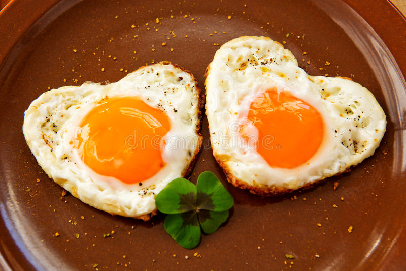 Valentin dagfrukost royaltyfria bilder