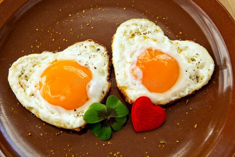 Valentin dagfrukost arkivbilder