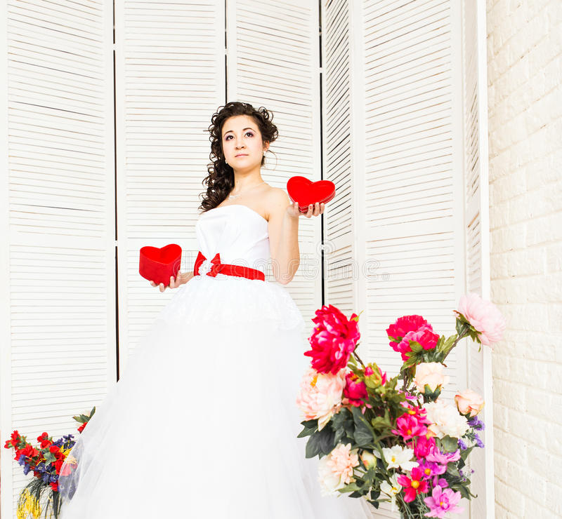 valentin för illustration s för dagdraw lycklig Brud med röd hjärta Bröllop- och valentinbegrepp royaltyfri bild