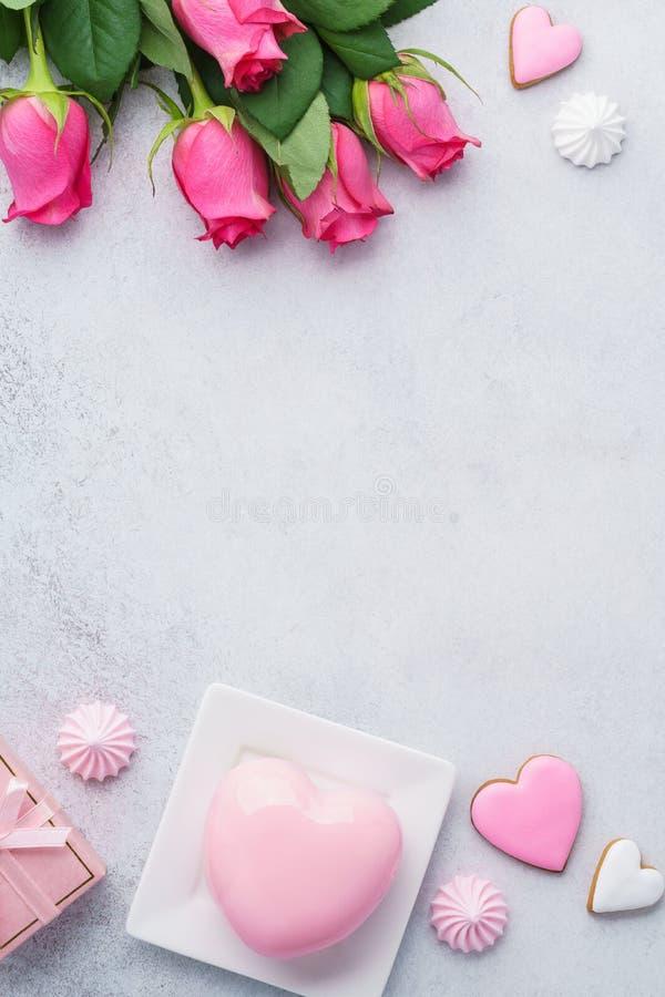 Valentin kort för daghälsning eller försäljningsmodell royaltyfria bilder