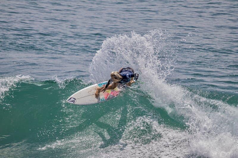 Valentina Resano surfing w samochodów dostawczych us open surfing 2019 fotografia stock