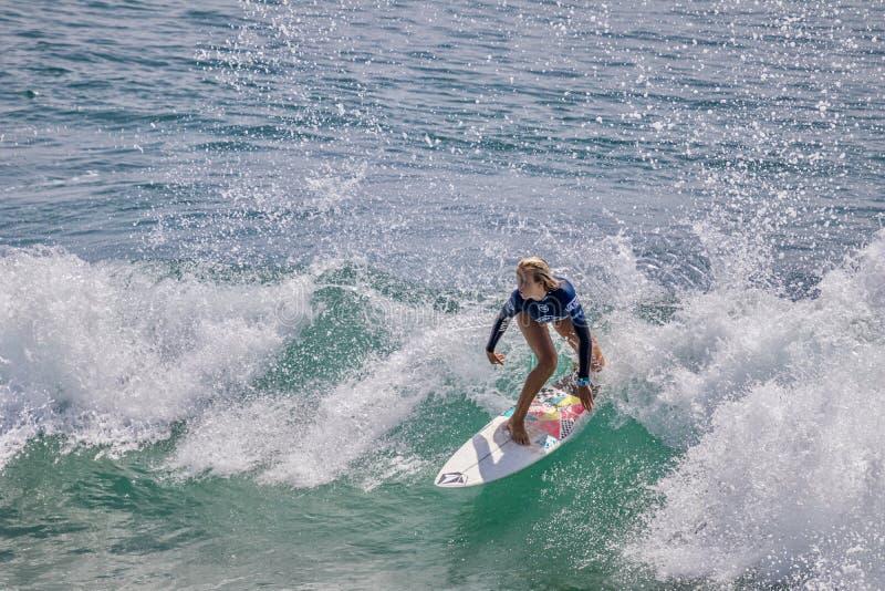 Valentina Resano surfing w samochodów dostawczych us open surfing 2019 obraz stock