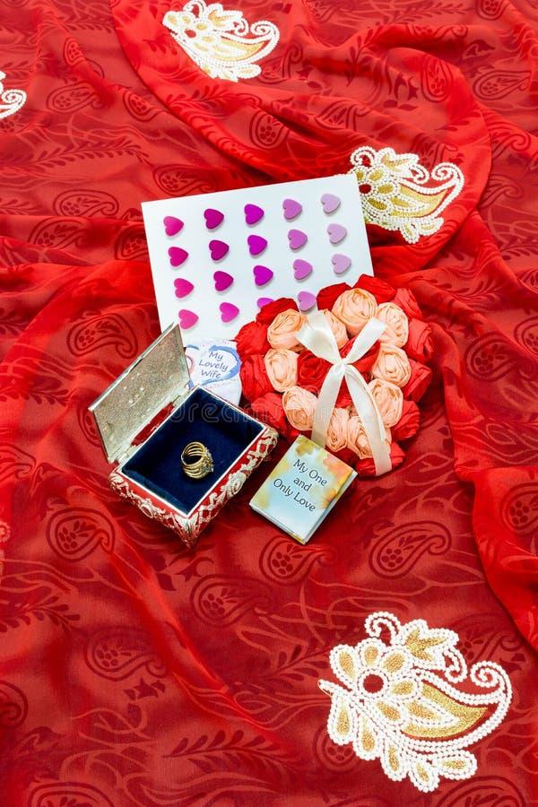 Valentindaggåva för förälskelsen av liv royaltyfri bild