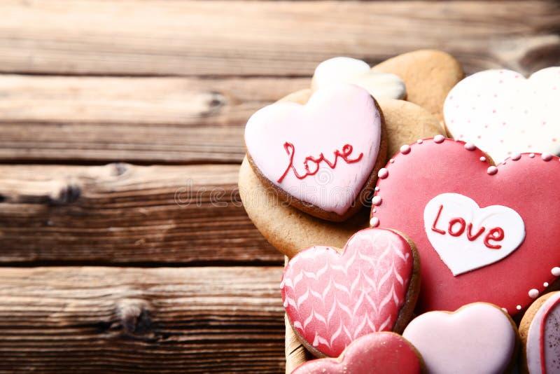 Valentine-daghart gevormde koekjes stock foto