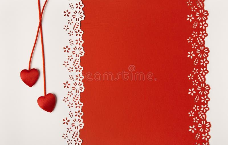 Valentine Day Hearts Red Background brudkortet blommar att gifta sig för hälsningscirklar royaltyfria bilder