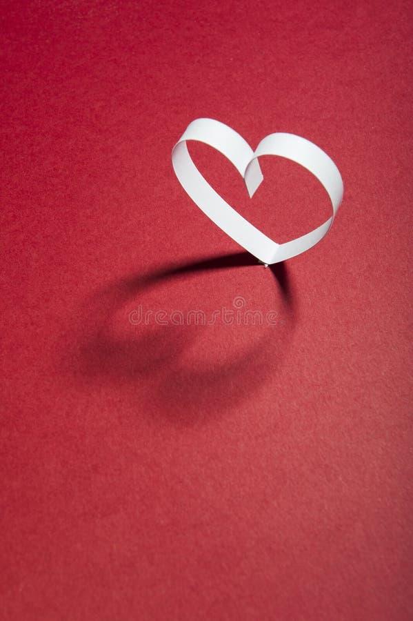Valentine, harten, rode achtergrond, Ruimte, een plaats om de woorden in te gaan royalty-vrije stock afbeeldingen