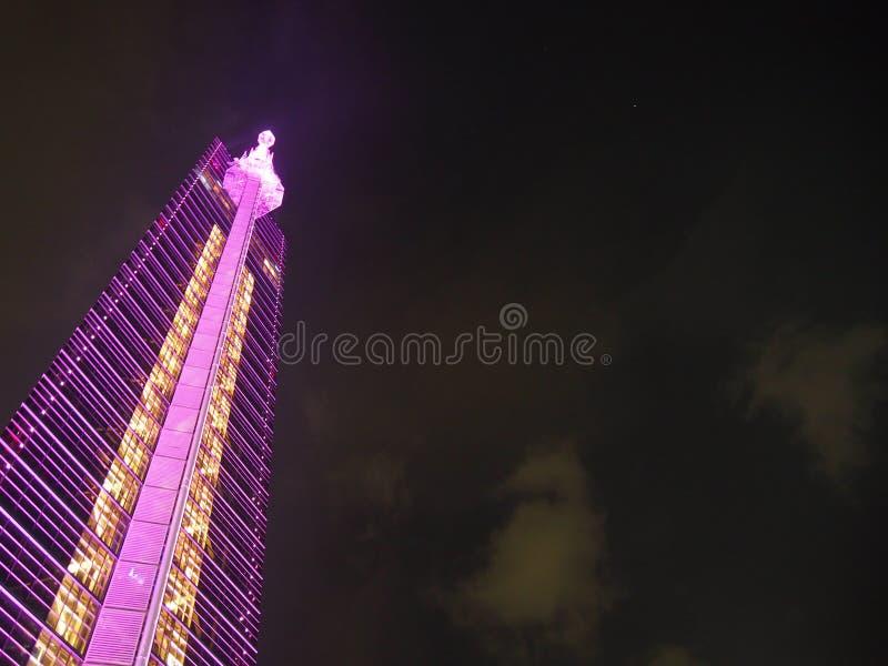 Valentine Illumination bij de Toren van Fukuoka stock foto