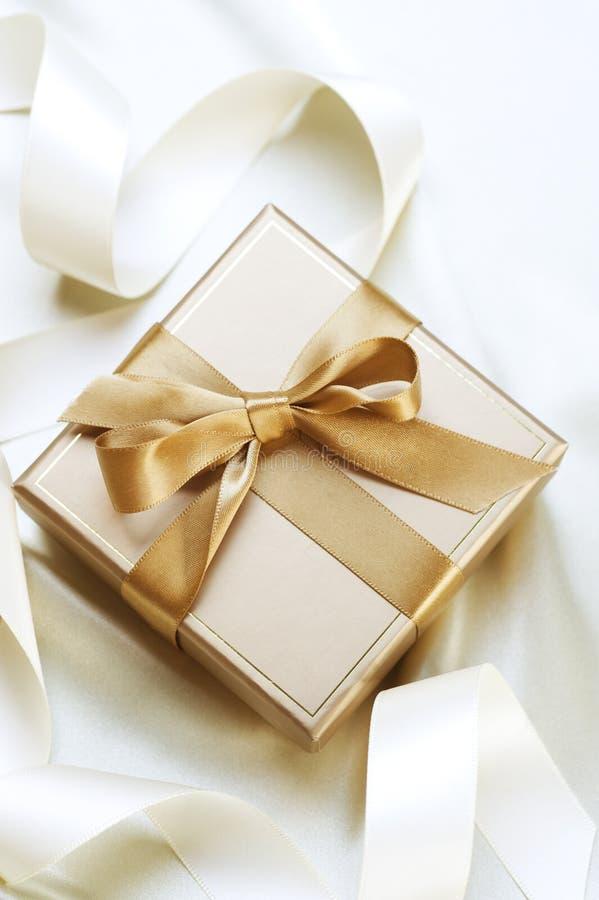 Valentinsgruß-Geschenk stockfotos