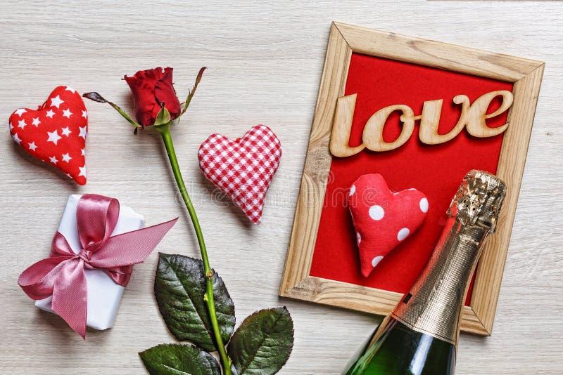 Valentinsgruß, Liebe, Hochzeit, Mutter, Vater, Geburtstag, Dekoration, Karte lizenzfreie stockfotos