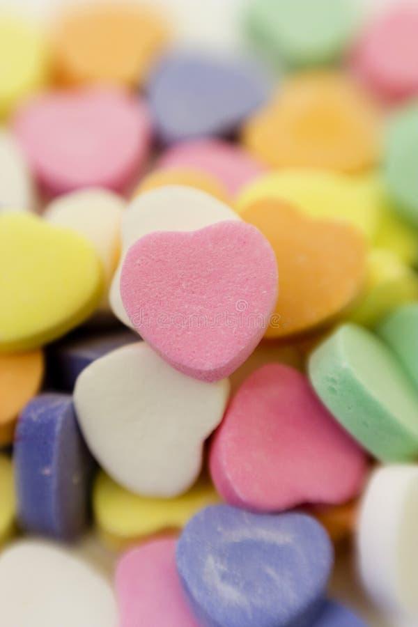 Valentinsgruß-Süßigkeit-Stapel lizenzfreie stockbilder