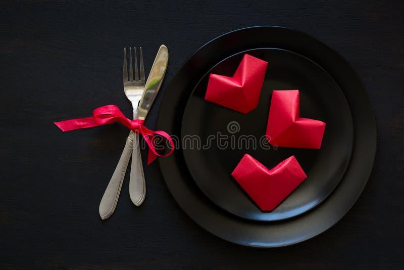 Valentinsgruß ` s Herz geformte gefaltete Papiere lizenzfreies stockfoto