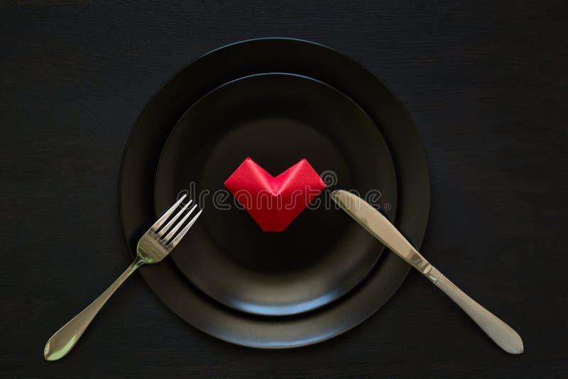 Valentinsgruß ` s Herz geformte gefaltete Papiere lizenzfreies stockbild