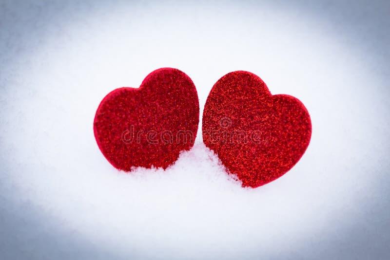 Valentinsgruß `s Tag Innere im Schnee lizenzfreie stockfotos