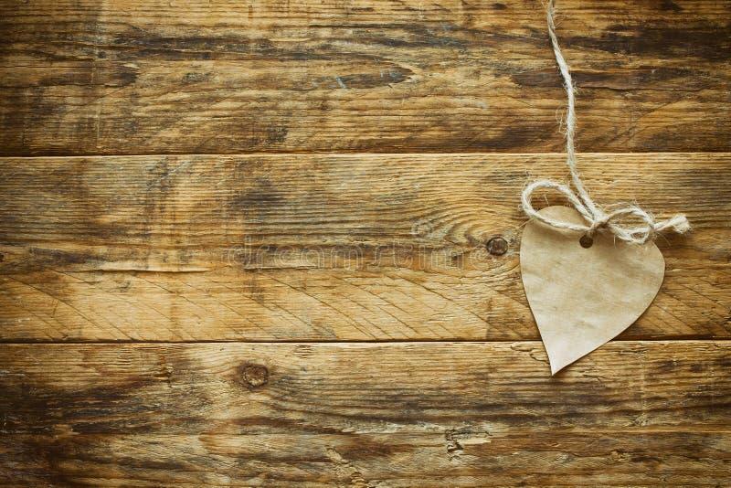 Valentinsgruß ` s Tageskraftpapierherz lizenzfreie stockbilder
