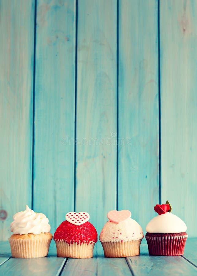Valentinsgruß-Tageskleine kuchen lizenzfreies stockfoto