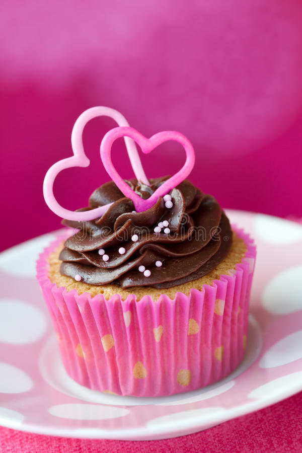Valentinsgrußkleiner kuchen stockfotos