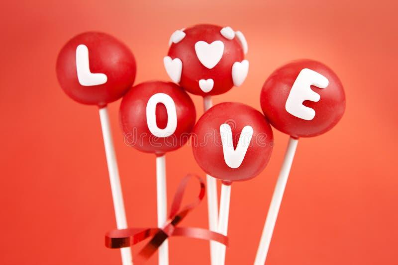 Valentinsgrußkuchenknalle lizenzfreie stockfotografie