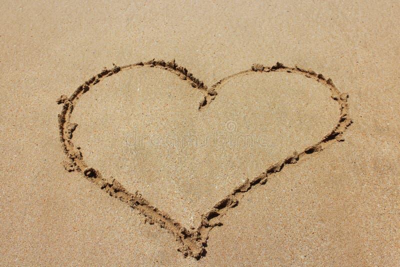 Valentinsgrußtag auf dem Strand lizenzfreie stockfotografie