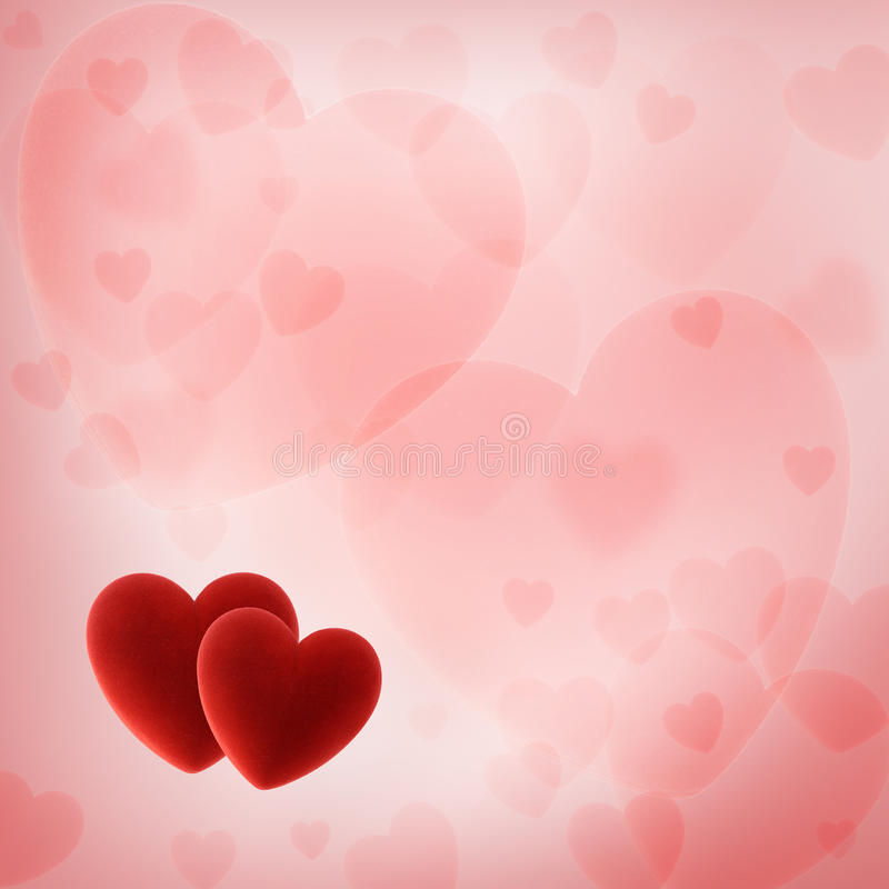 Valentinstaghintergrund mit roten Herzen lizenzfreie stockbilder