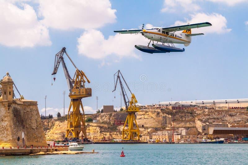 valetta της Μάλτας Seaplane de Havilland Καναδάς λιμενικού αέρα dhc-3 9h-AFA ενυδρίδων στροβίλων απογειώνεται στο μεγάλο λιμάνι,  στοκ εικόνες
