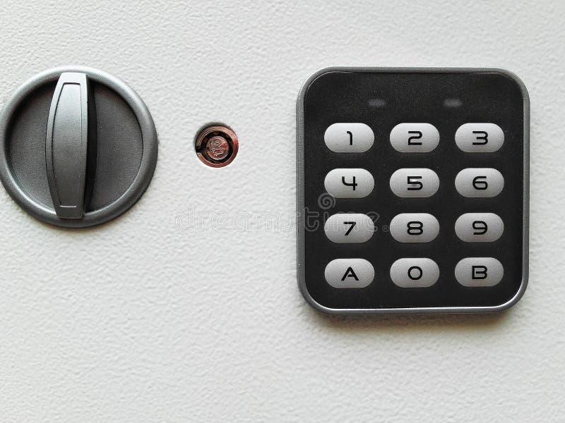 Valeur marchande à la maison en acier électronique d'argent de boîte de sécurité de Digital image libre de droits