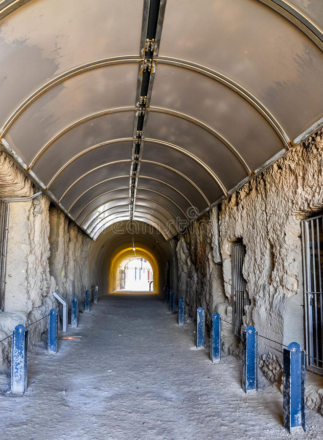 Valfångares tunnelperspektiv: Fremantle västra Australien arkivfoton