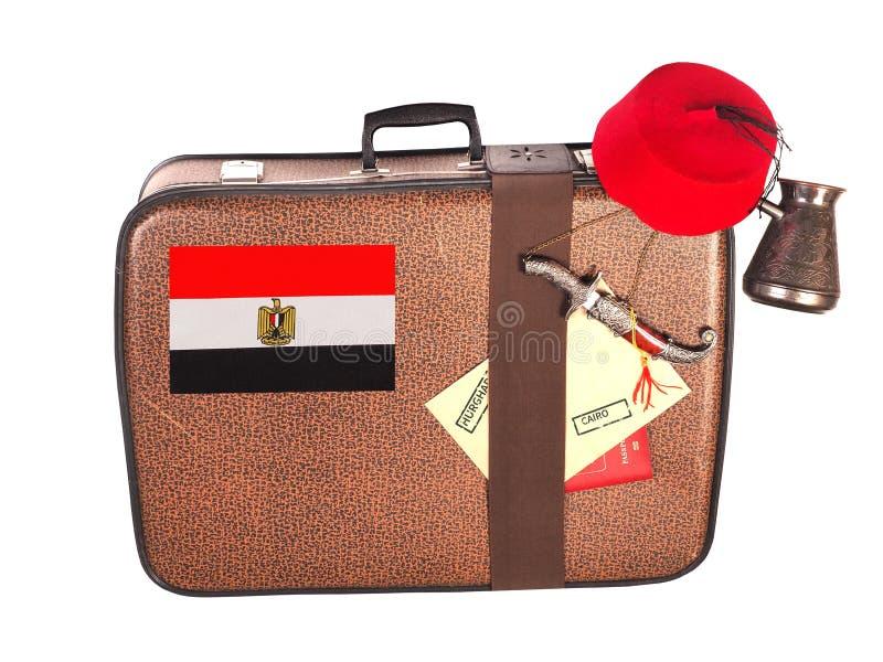 Valigia d'annata con la bandiera dell'Egitto immagine stock libera da diritti