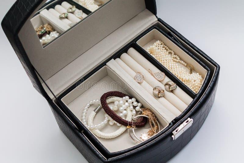 Valigia per gioielli fotografia stock libera da diritti