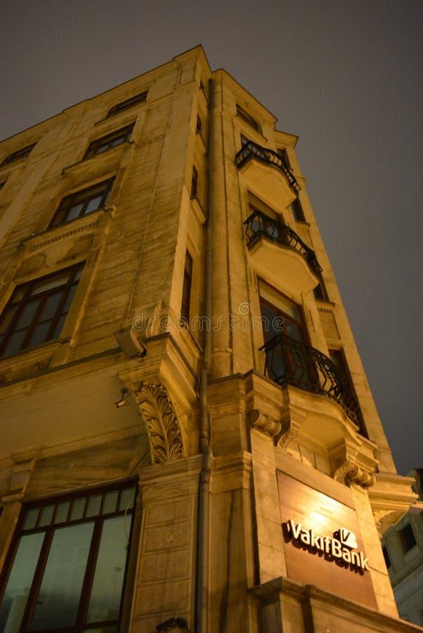 ValitBank - bâtiment très vieux d'Istanbul de paysage urbain images stock
