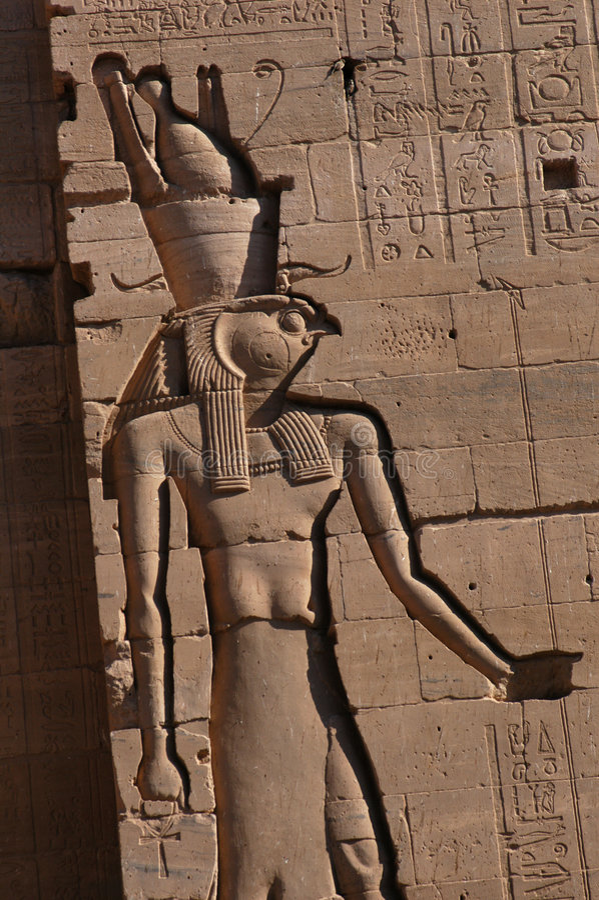 Valk-geleide God Horus stock fotografie