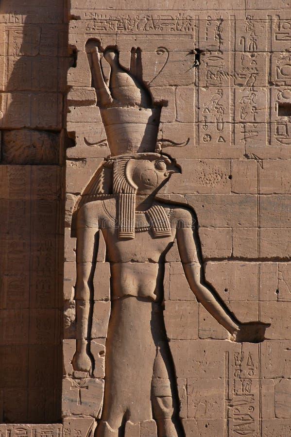 Valk-geleide God Horus royalty-vrije stock fotografie
