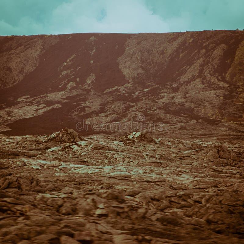 Vallée chaude de falaises en gros plan de courant de lave photo stock