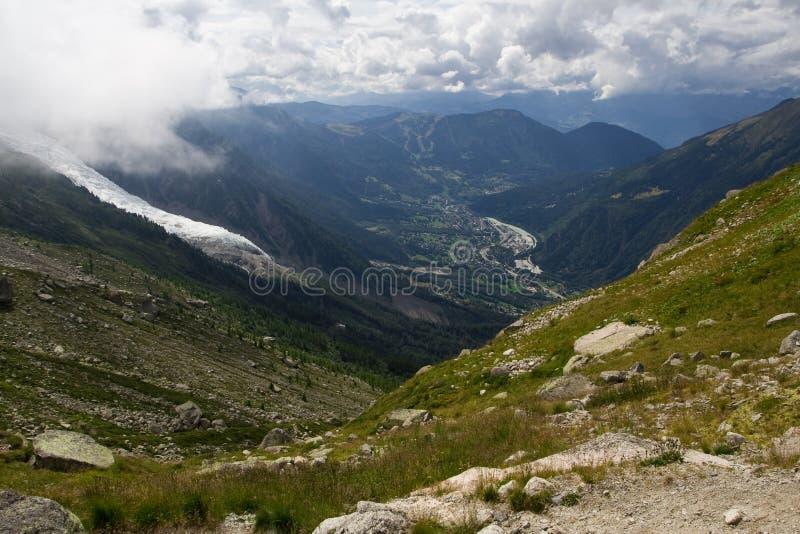 Vallée de Chamonix dans des Alpes de la France photo stock