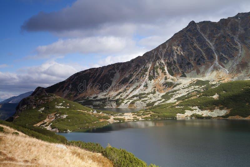 Vallée de cinq lacs en montagnes de Tatra photographie stock libre de droits