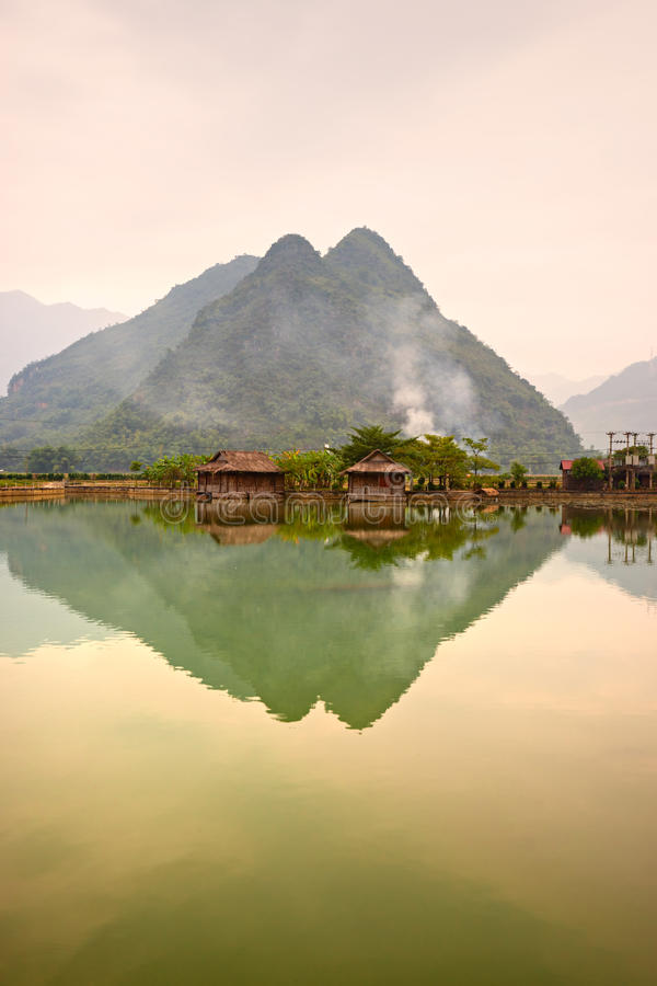 Vallée de l'AMI Chau, Vietnam du Nord. photo libre de droits