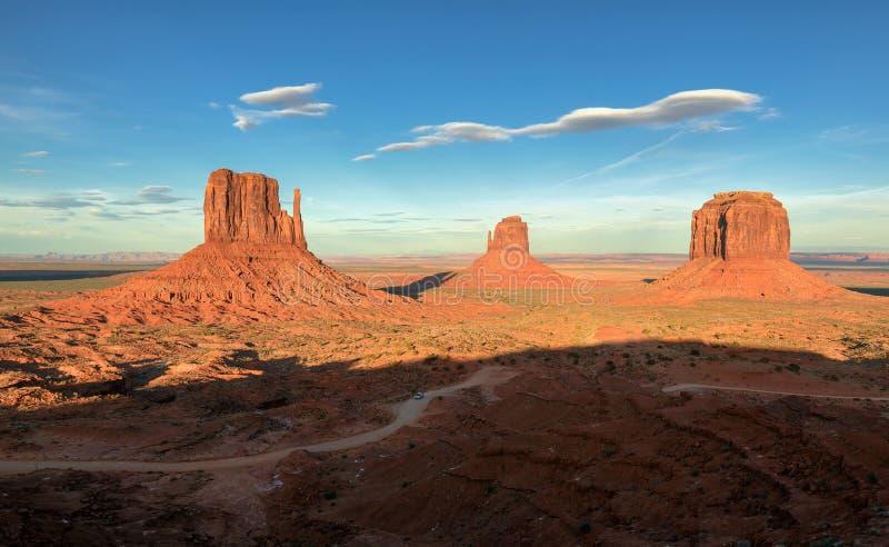 Vallée de monument, canyon de désert aux Etats-Unis photographie stock libre de droits