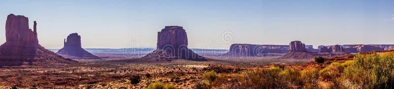 Vallée de monument de parc national Attractions touristiques de l'Arizona et de l'Utah Panorama du désert rocheux photos libres de droits