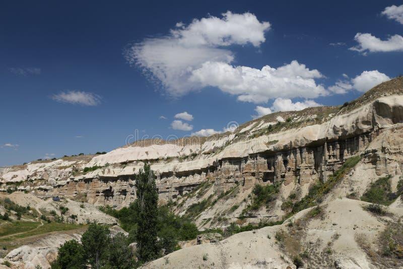 Vallée de pigeons dans Cappadocia photographie stock libre de droits